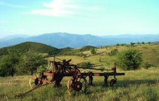 Γεωργικά Εργαλεία Μηχανήματα Κρεστενίδη στην Κοιλάδα Λαρίσης
