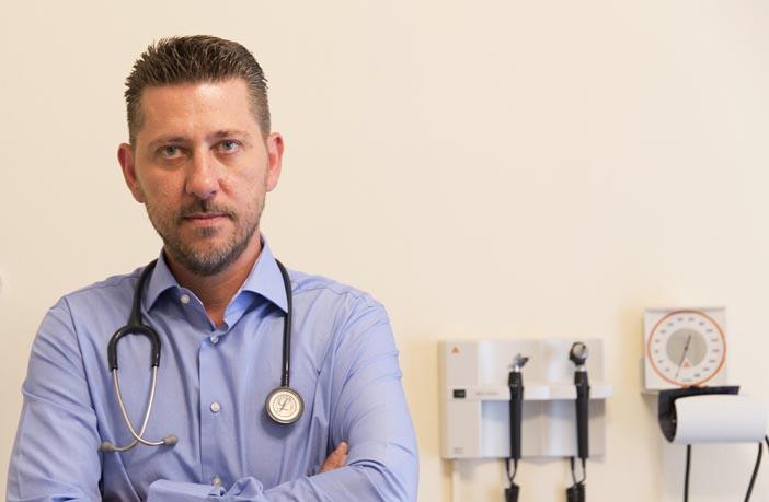 Ιατρός-Μανδρέκας - Ρεπορτάζ Αγοράς